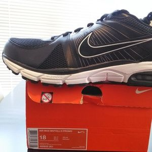 Nike Air Max Moto (+) 9 Athletic Shoes. 455656001.